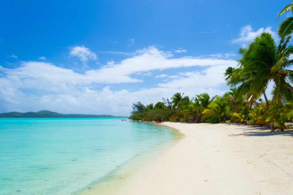Desert island image of a beach to illustrate once-in-a-lifetime incentives | Element - The Prize & Incentive People