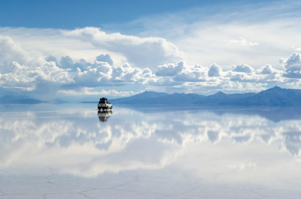 Salar de Uyuni, Bolivia with a car to illustrate our sales incentives ideas   Element - The Prize & Incentive People